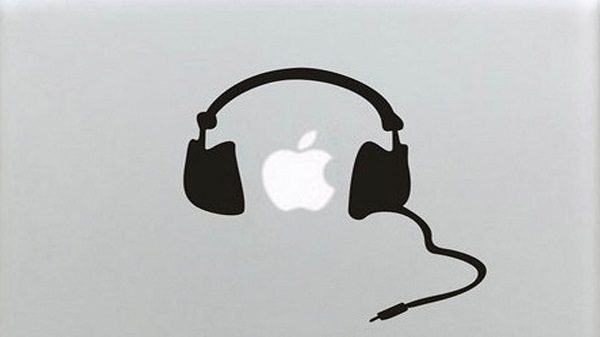 sua macbook bi hu cong headphone-03