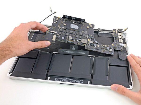 thay-chip-vga-macbook-02