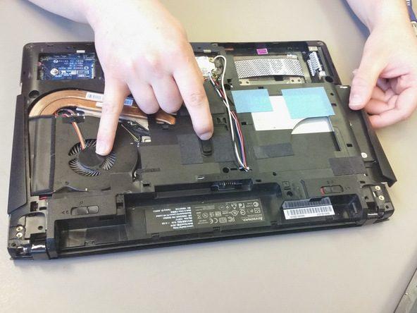 thay-quat-laptop-gia-re-02