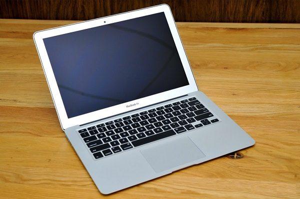 macbook khong len man hinh-01