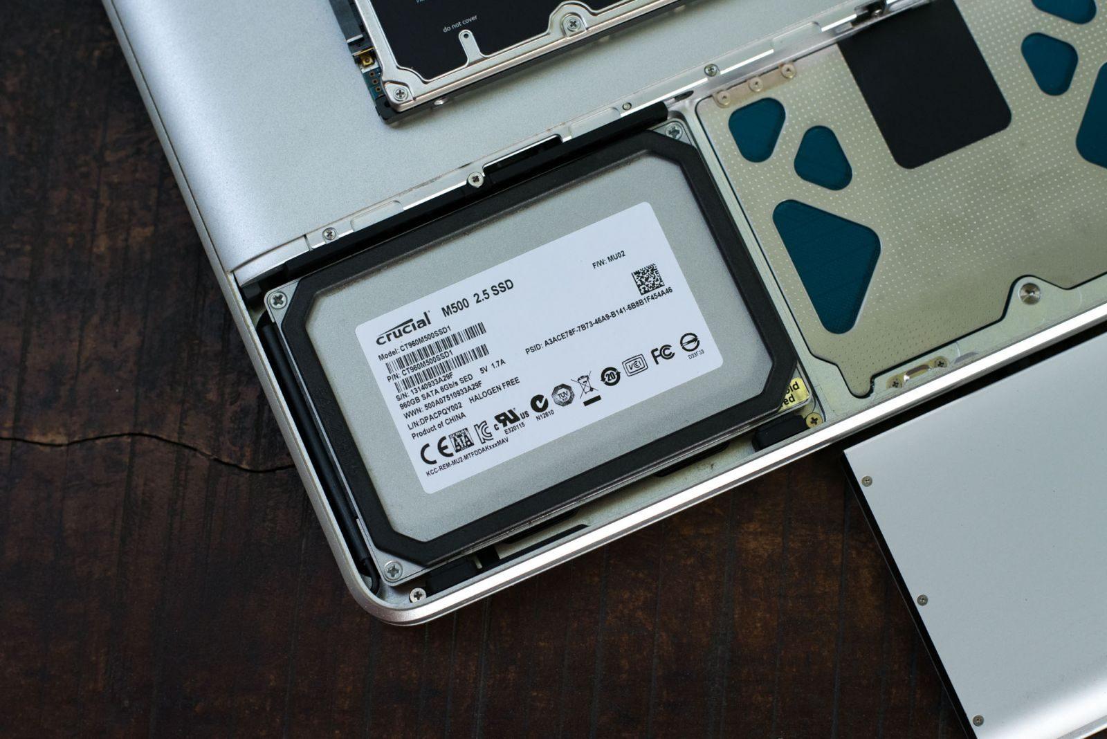 Thay SSD và lắp lại
