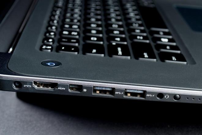 Vệ sinh cổng USB cho laptop